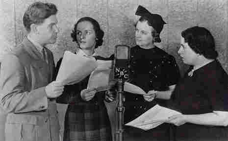 'Guiding Light' creator with show cast members in 1937