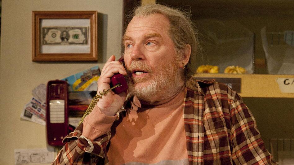 Actor Michael McKean (as Arthur Przybyszewski) in <em>Superior Donuts.</em>