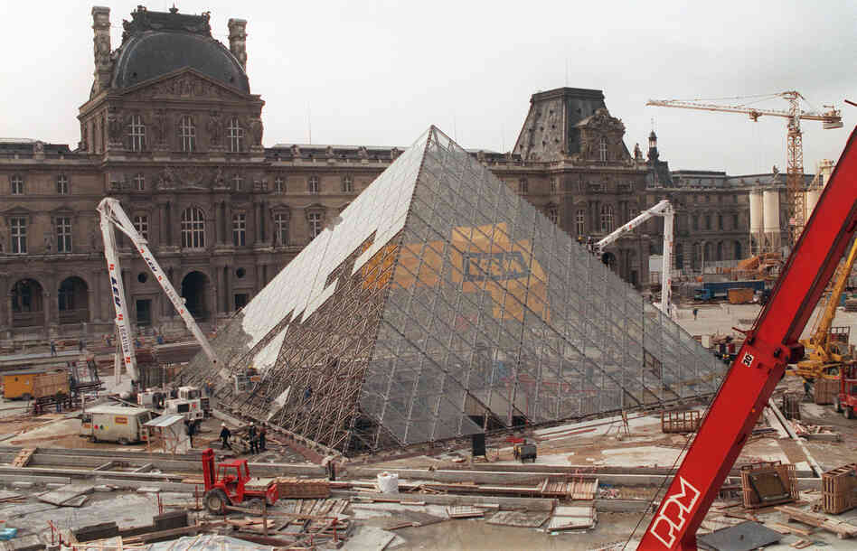 Landmark at the louvre the pyramid turns 20 npr - Construction of the louvre ...