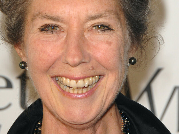 Canadian folk icon Kate McGarrigle died of cancer on Monday at age 63.  Her son, singer Rufus Wainwright, says she died peacefully at her home in Montreal. (AP)