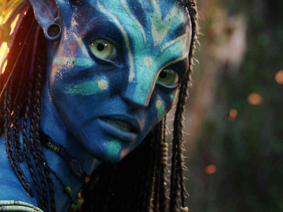 Zoe Saldana plays Neytiri