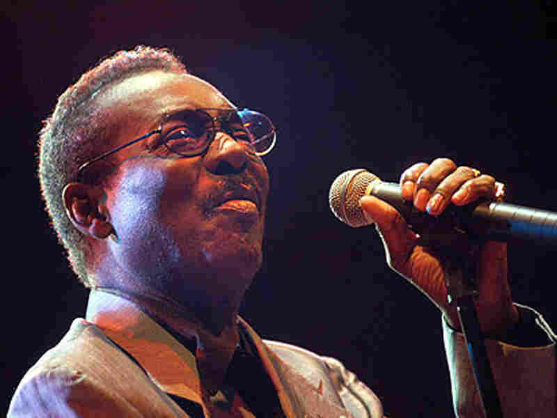 Wilson Pickett, photographed in 2003 with microphone in hand.