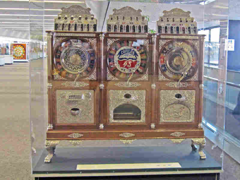The Caille Triplet: Centaur gambling machine from 1905
