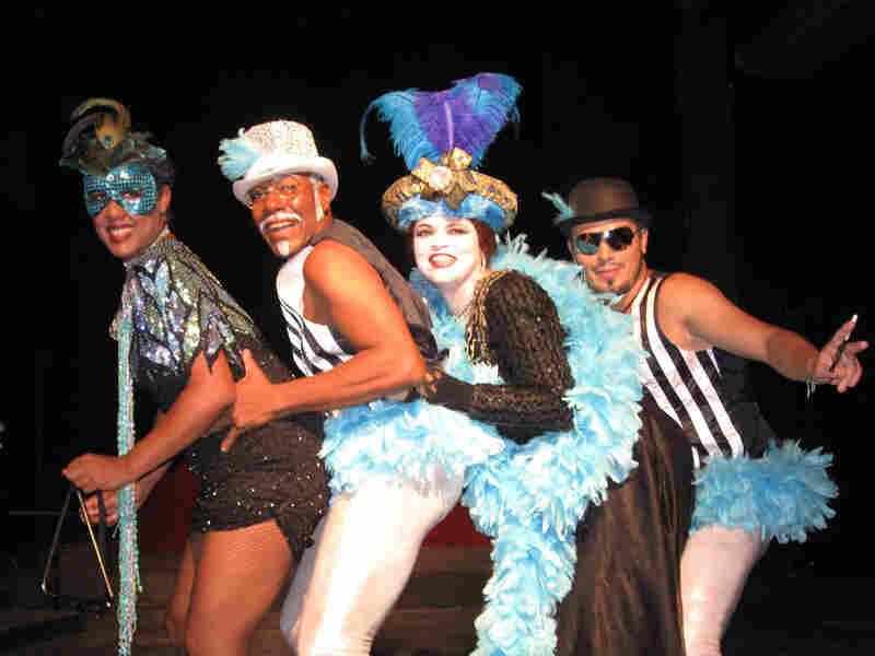 Indira Valdes, Carlos Cruz, Ivanesa Cabrera and Leandro Sen performed in La Visita de la Vieja Dama.