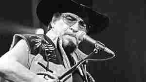 Waylon Jennings: An Outlaw Opens Up Musically