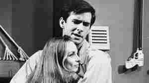 Anthony Perkins, Charmian Carr