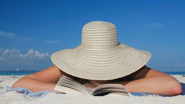 beach reading wide
