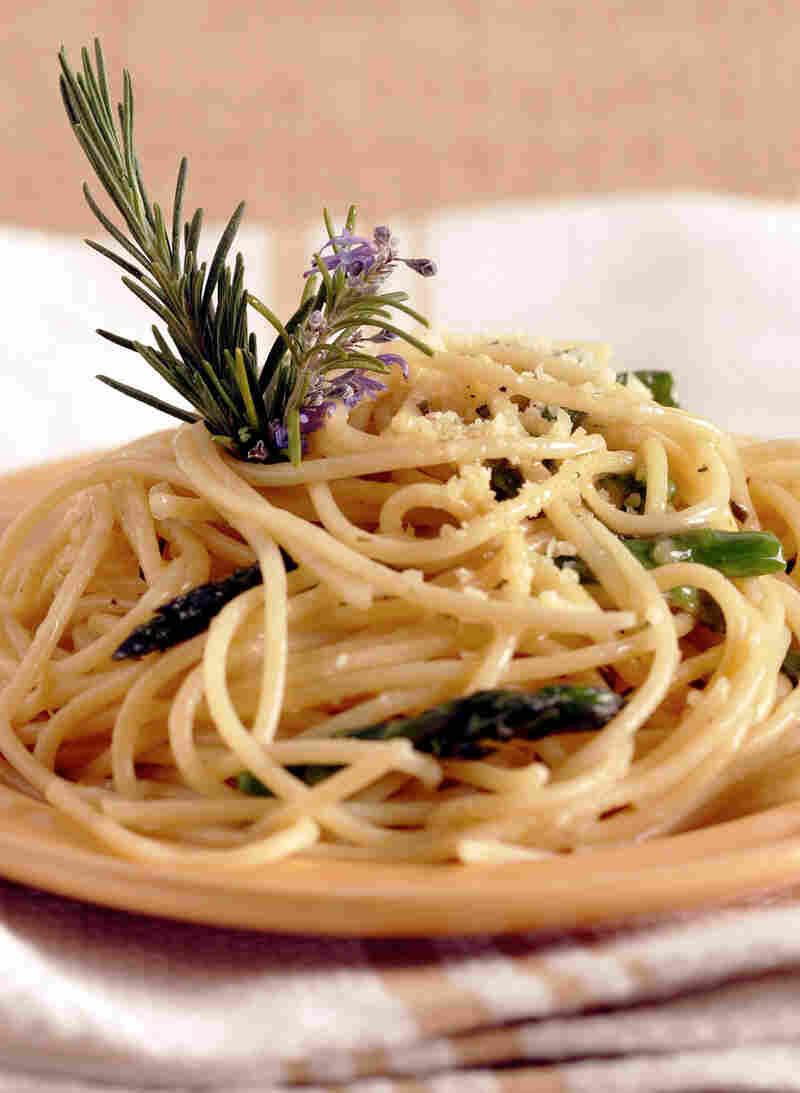 Rosemary Spaghetti with Roasted Asparagus