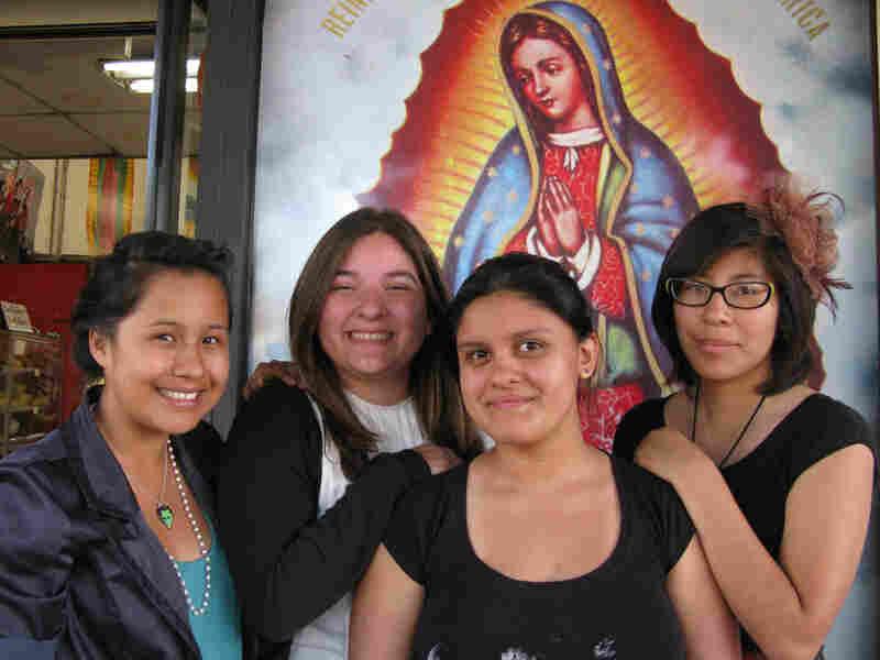 Brenda Marones, Yesenia Pum, Ana Rivas, Michelle De Leon
