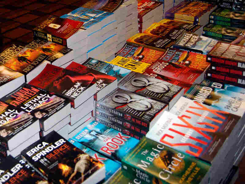 A table of thriller books.