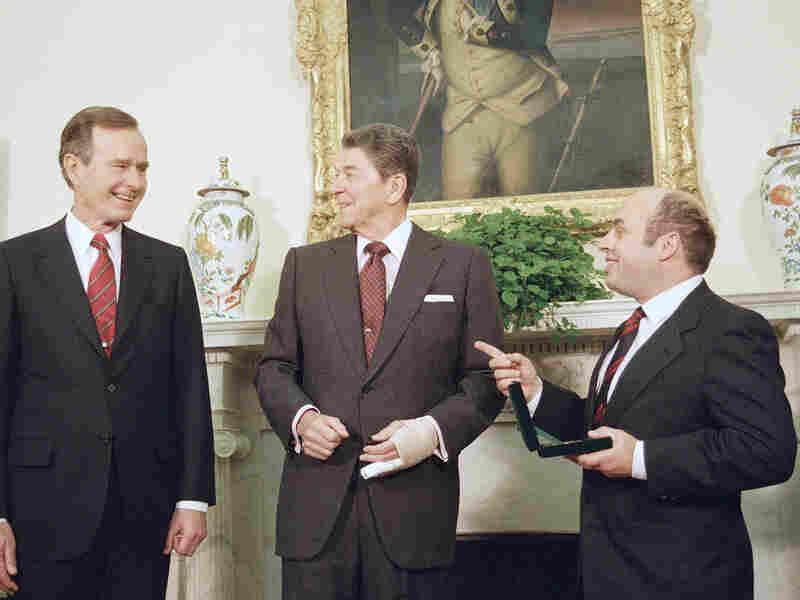 Ronald Reagan, George H.W. Bush and Natan Sharansky in 1989. Barry Thumma/AP