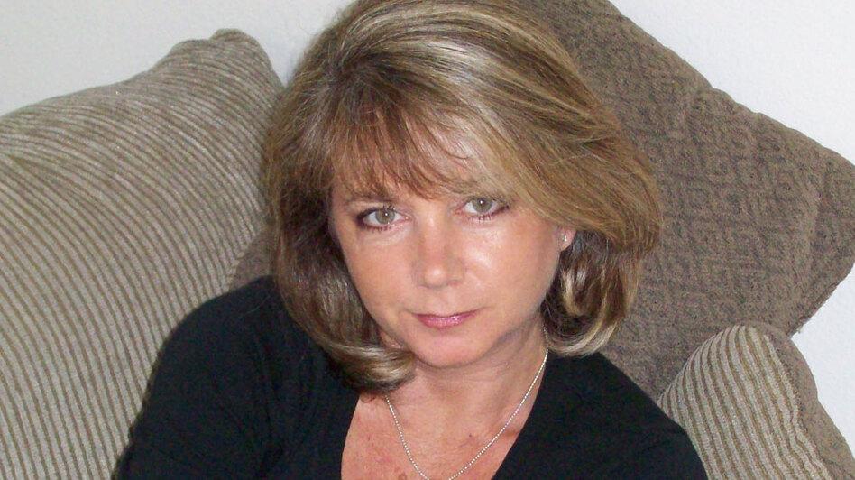 Author Debra Ginsberg