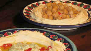 Hummus topped with seasoned chickpeas