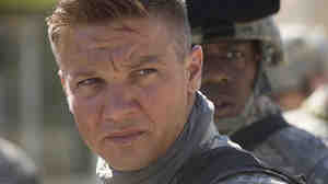 W: Jeremy  Renner in 'The Hurt Locker'