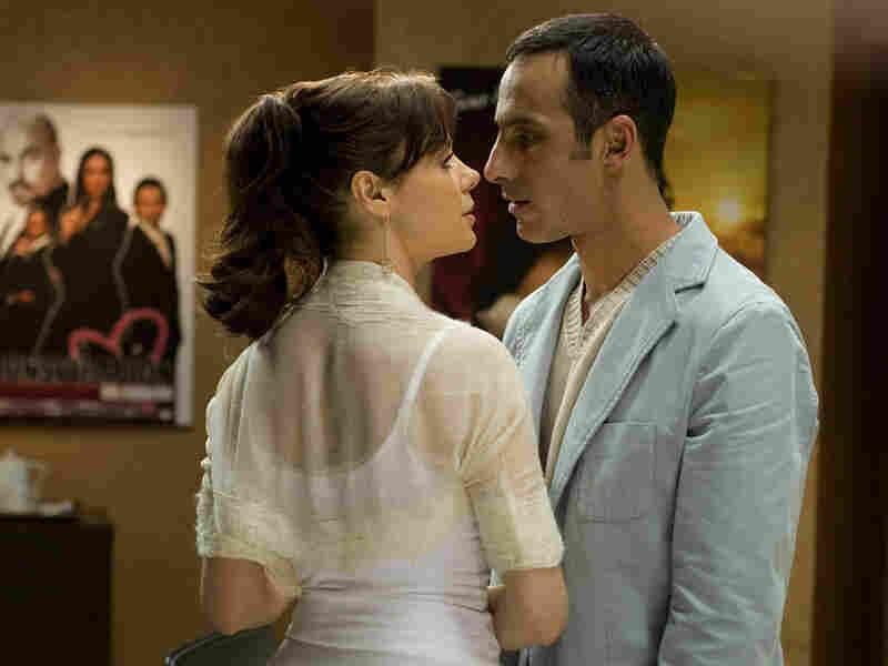 Patricia Llaca (Eva) and Julio Bracho (Alejandro) in 'Casi Divas'