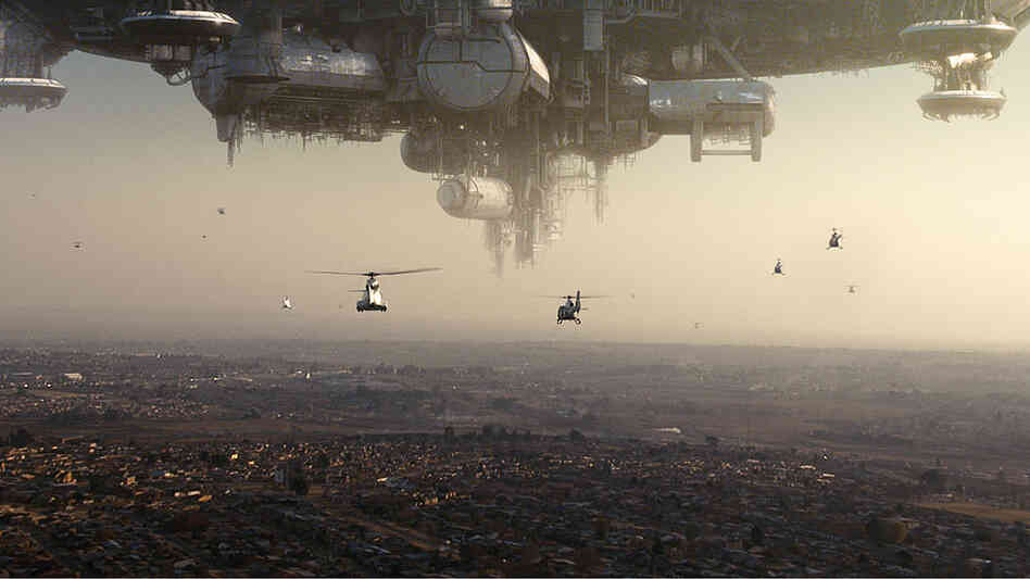 An alien ship over the City of Johannesburg in 'District 9'