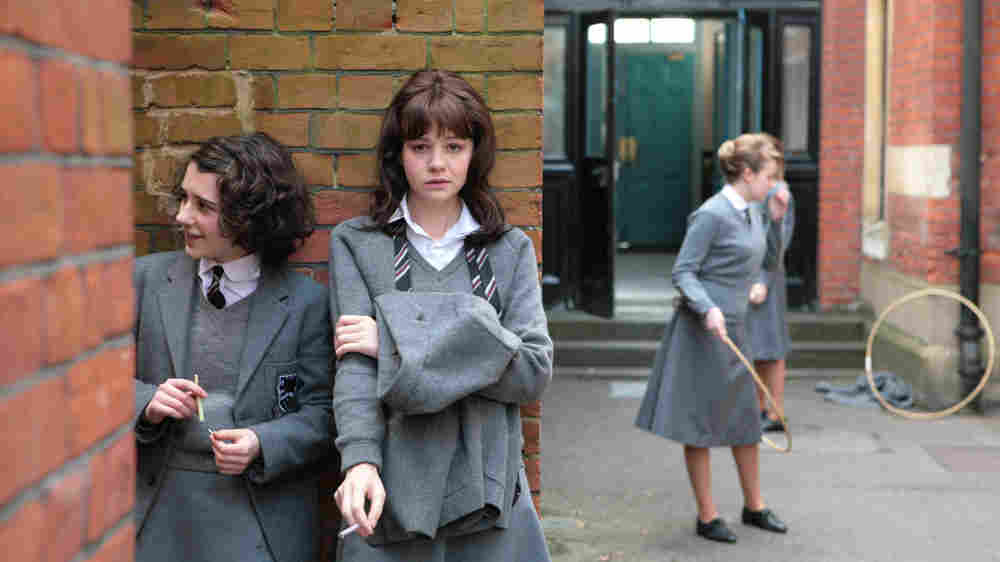 W: Carey Mulligan, at school, in 'An Education'