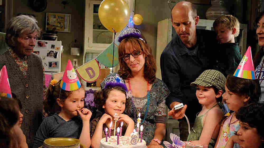 W: Uma Thurman and Anthony Edwards in 'Motherhood'