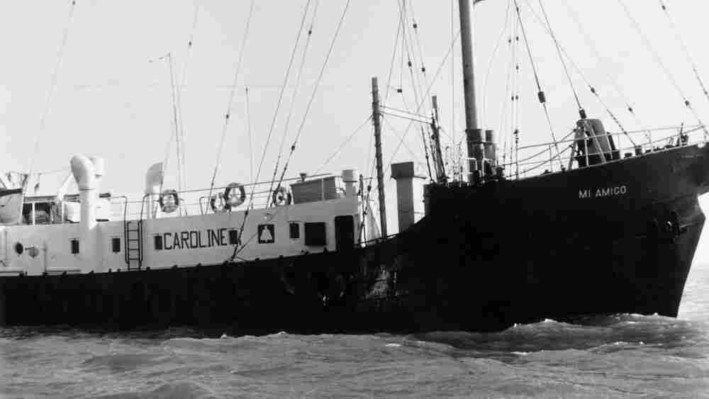 W: Radio Caroline's ship, Mi Amigo