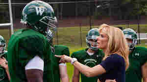 W: Aaron and Bullock in 'The Blind Side'