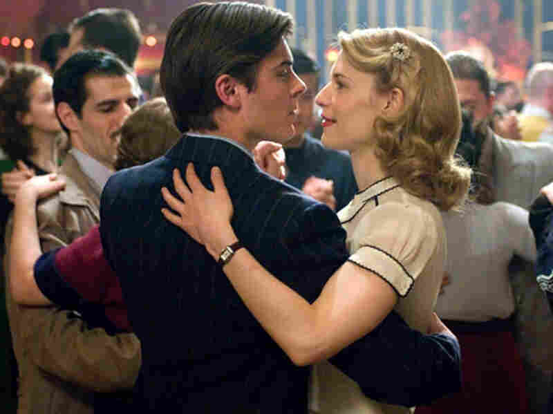 Zac Efron and Claire Danes in 'Me and Orson Welles'