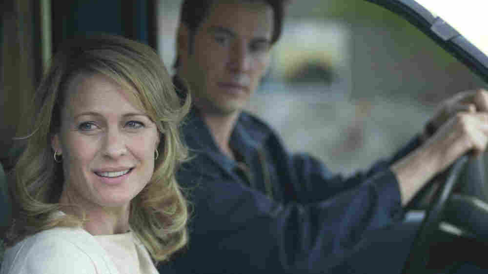 W: Robin Wright Penn and Keanu Reeves in 'The Private Lives of Pippa Lee'