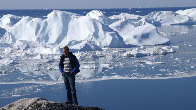 Bjorn Lomborg in front of glacier
