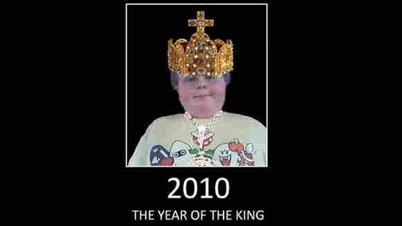Lukeywes1234 wearing a cartoon crown