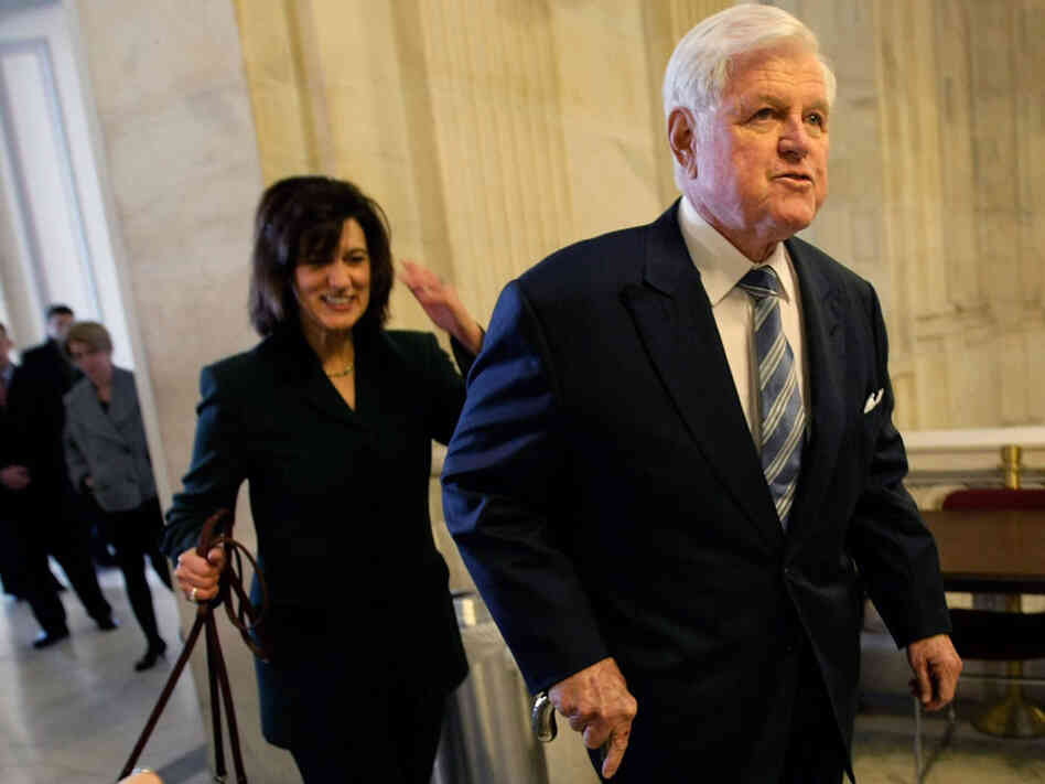 edward kennedy returns to senate after treatment for brain tumor