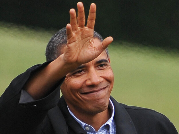 obama waves upon his return fro