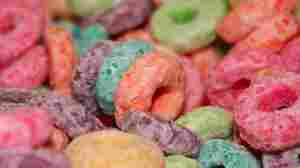 close up of Froot Loops cereal