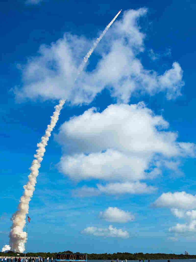 NASA's Ares 1-X test rocket lifs off from launch pad 39-b at the Kennedy Space Center October 28, 20