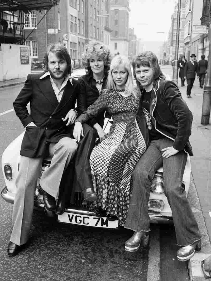 1st April 1974: Benny Andersson, Anni-Frid Lyngstad, Agnetha Faltskog and Bjorn Ulvaeus of the Swedi