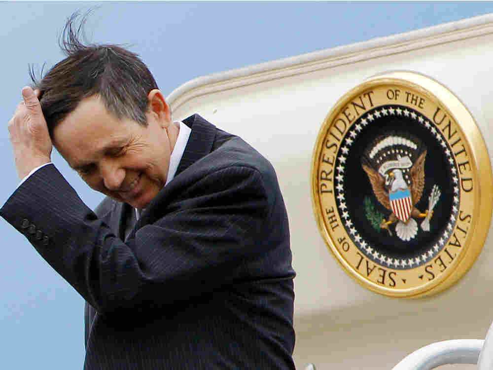 Rep. Dennis Kucinich, D-Ohio steps off Air Force One at Cleveland-Hopkins International Airport in C