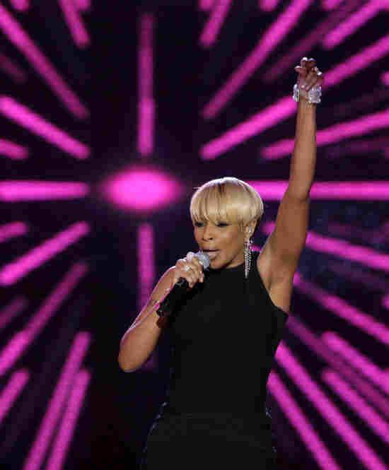 Mary J. Blige performs at the Neighborhood ball.