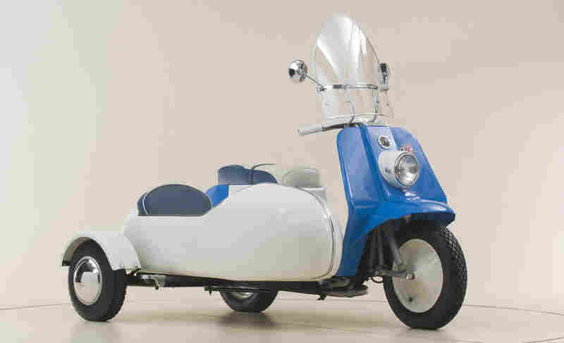 Harley-Davidson sold a short-lived motor scooter called the Topper, shown here with the sidecar option. The company produced it from 1960 to 1965.