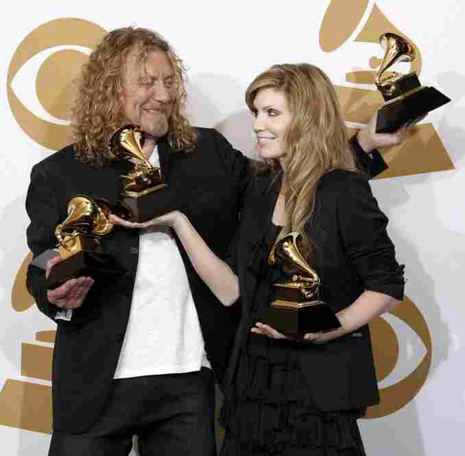 """Former Led Zeppelin vocalist Robert Plant and bluegrass musician Alison Krauss juggled the five Grammy awards received Sunday for their unlikely but critically acclaimed compilation album """"Raising Sand."""""""