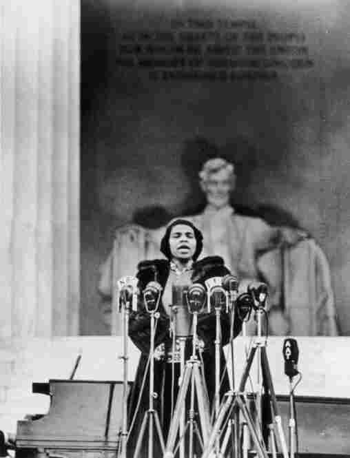 After the Daughters of the Revolution barred celebrated opera singer Marian Anderson from performing at Constitution Hall in 1939, the NAACP worked with first lady Eleanor Roosevelt to move the concert to the Lincoln Memorial. More than 75,000 people attended the free concert.