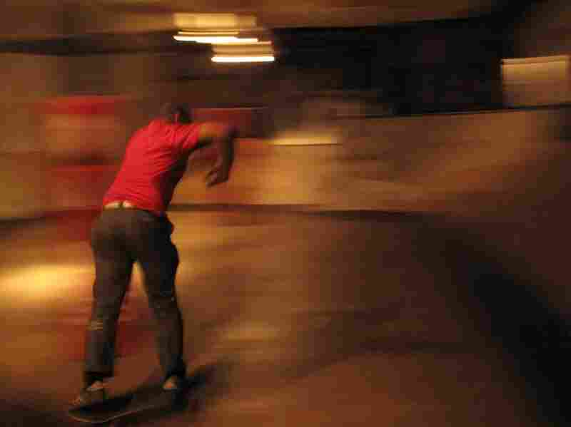 Skaters of all ability levels mix it up, taking turns in the bowl.