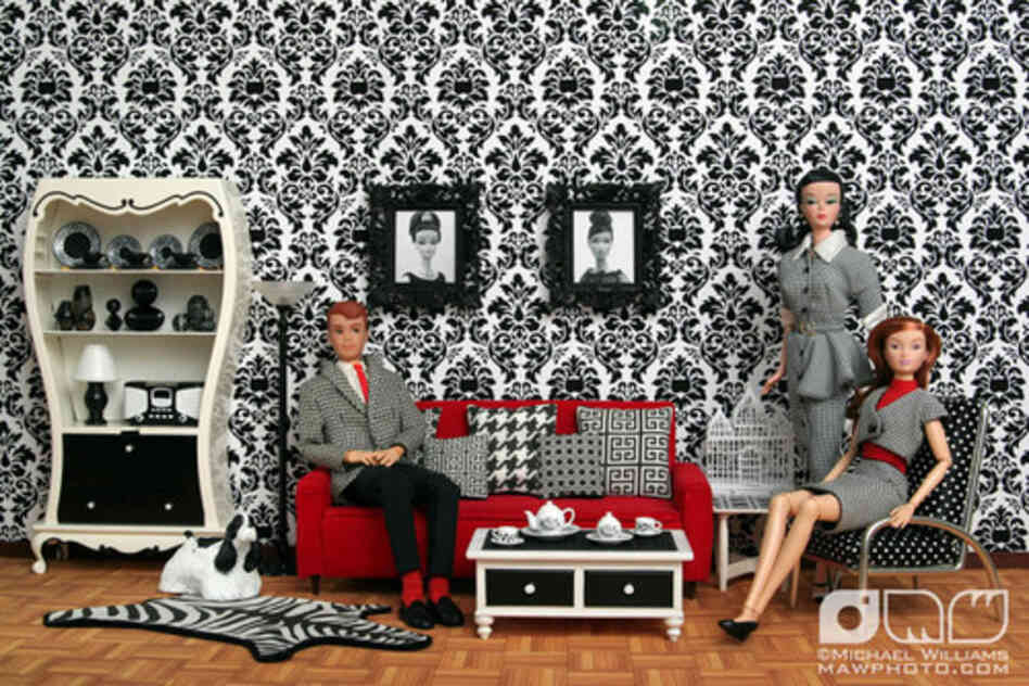 """Black & White Living Room"" uploaded by mawphoto.com/Flickr"