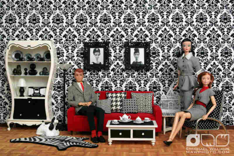 """Black & White Living Room"" uploaded by mawphoto.com/Flickr"
