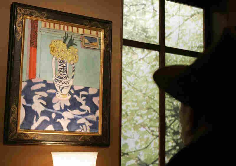 Les coucous, tapis bleu et rose by French artist Henri Matisse earned the highest bid at $45.3 million.