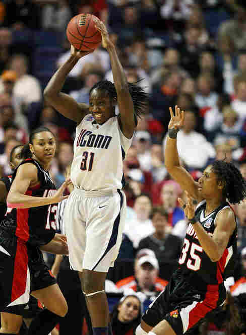 Charles had one of the most impressive performances in women's basketball history, reaching double figures in both scoring and rebounds by halftime.