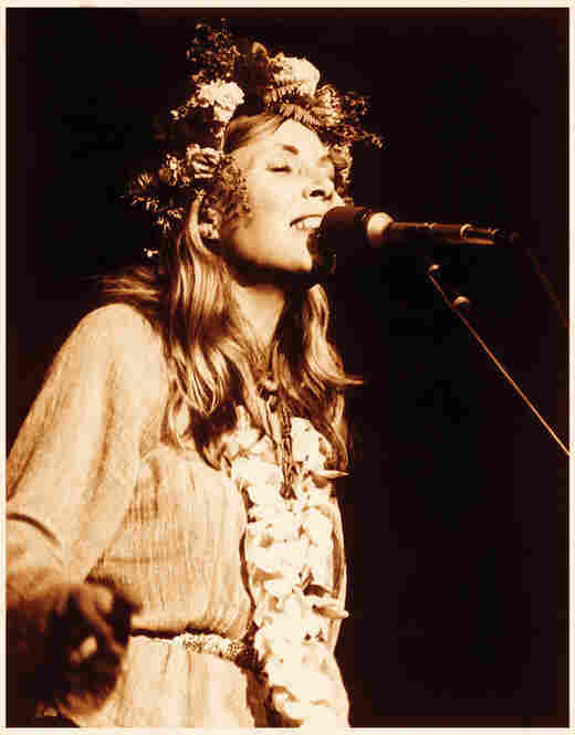 Joni Mitchell, Honolulu, 1970.