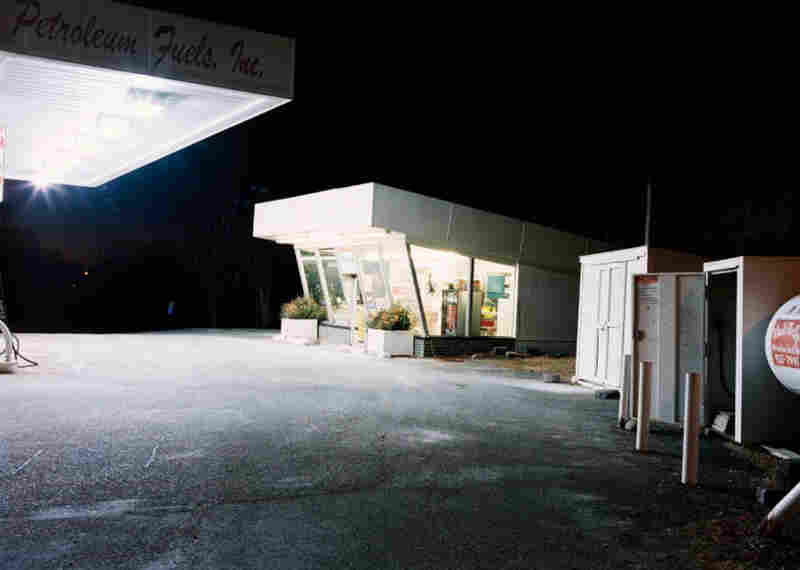 Winter Gas Station, 2000 (c) Tema Stauffer