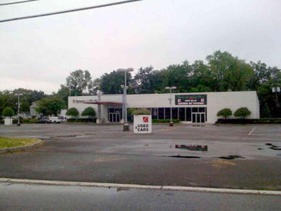 Chrysler Dealership Columbus Ohio >> Suddenly Empty: America's Closing Car Dealerships : Planet ...
