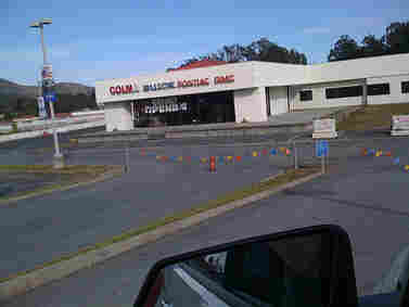 On May 14, Chrysler told 789 dealerships to close down by June 9. This dealership in Colma, California, was still advertising its grand opening. jason_h_erickson via Flickr