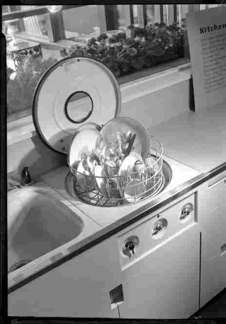 Dishwasher and kitchen, Los Angeles, 1946