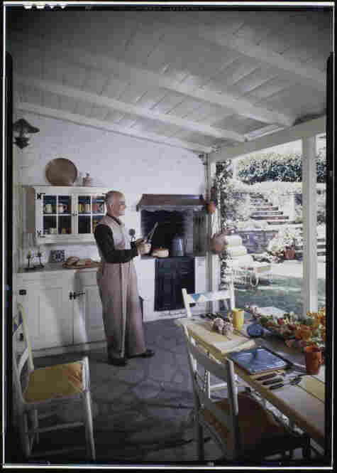 Mr. and Mrs. Mario Larrinaga residence, outdoor living space, circa 1945