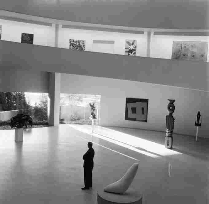 Natural light pours in through the windows and floods the interior of the Guggenheim in 1955.